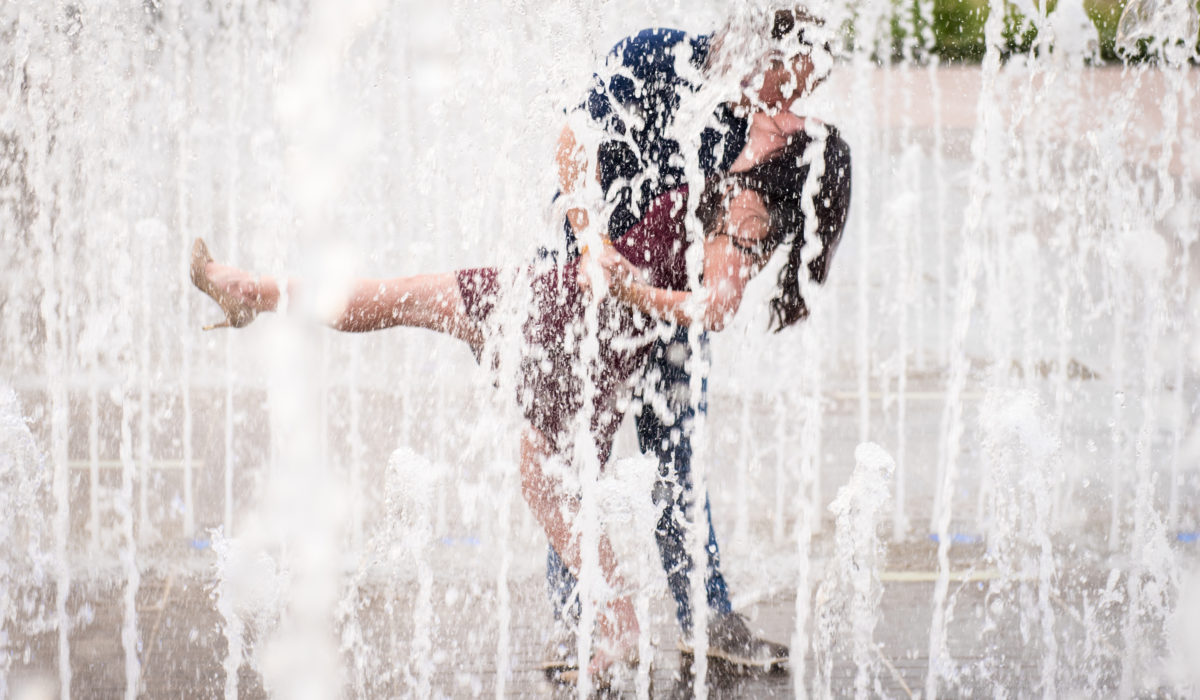 Tampa Engagement Photos -by James Connell Photography - Curtis Hixon Park
