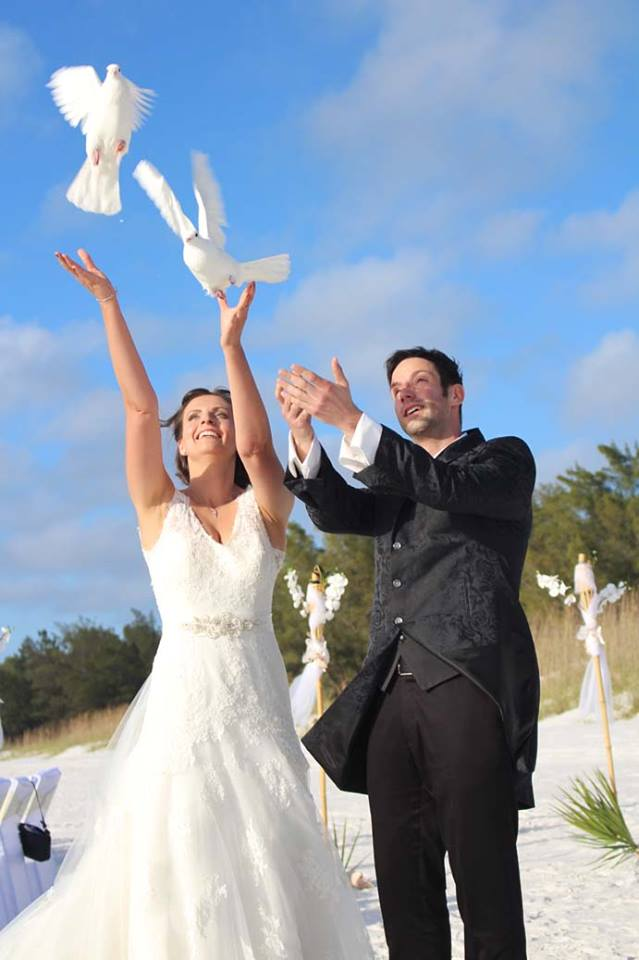 Tampa Wedding Vendor - Sarasota Dove Releases
