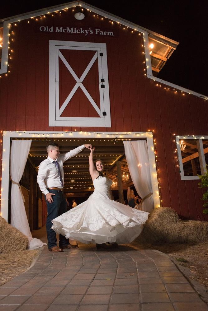 The Barn At Crescent Lake Odessa Fl Wedding Photographer